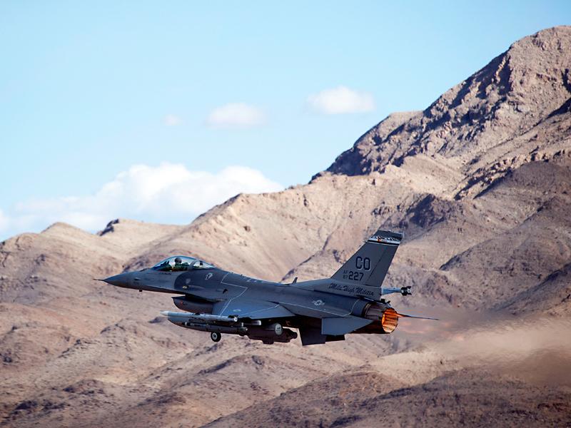 ACME-Slide-F-16-Misc-01-800x600-1